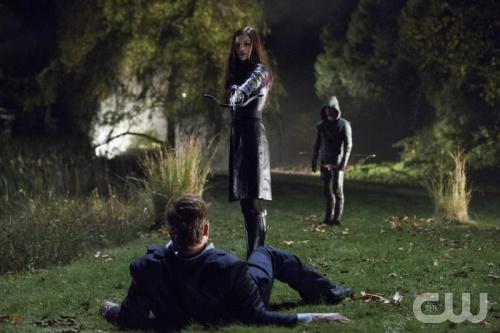 Arrow,Serie basada en el Comic Flecha Verde - Página 2 CW-Arrow-Huntress-in-Vendetta-2
