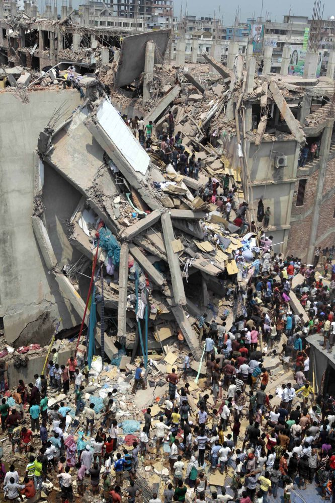 Bangladesh - Bangladesh: Centenares de proletarias y proletarios mueren en fábricas textiles  1366823387_942054_1366824957_album_normal