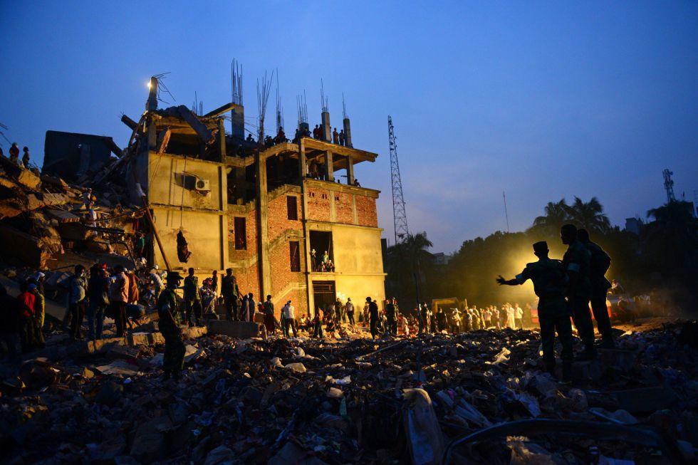 Bangladesh - Bangladesh: Centenares de proletarias y proletarios mueren en fábricas textiles  1366823387_942054_1366997921_album_normal