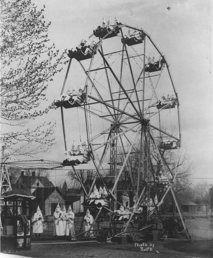 The Shocking and Bizarre 15.-Ku-Klux-Klan-on-a-ferris-wheel-1925