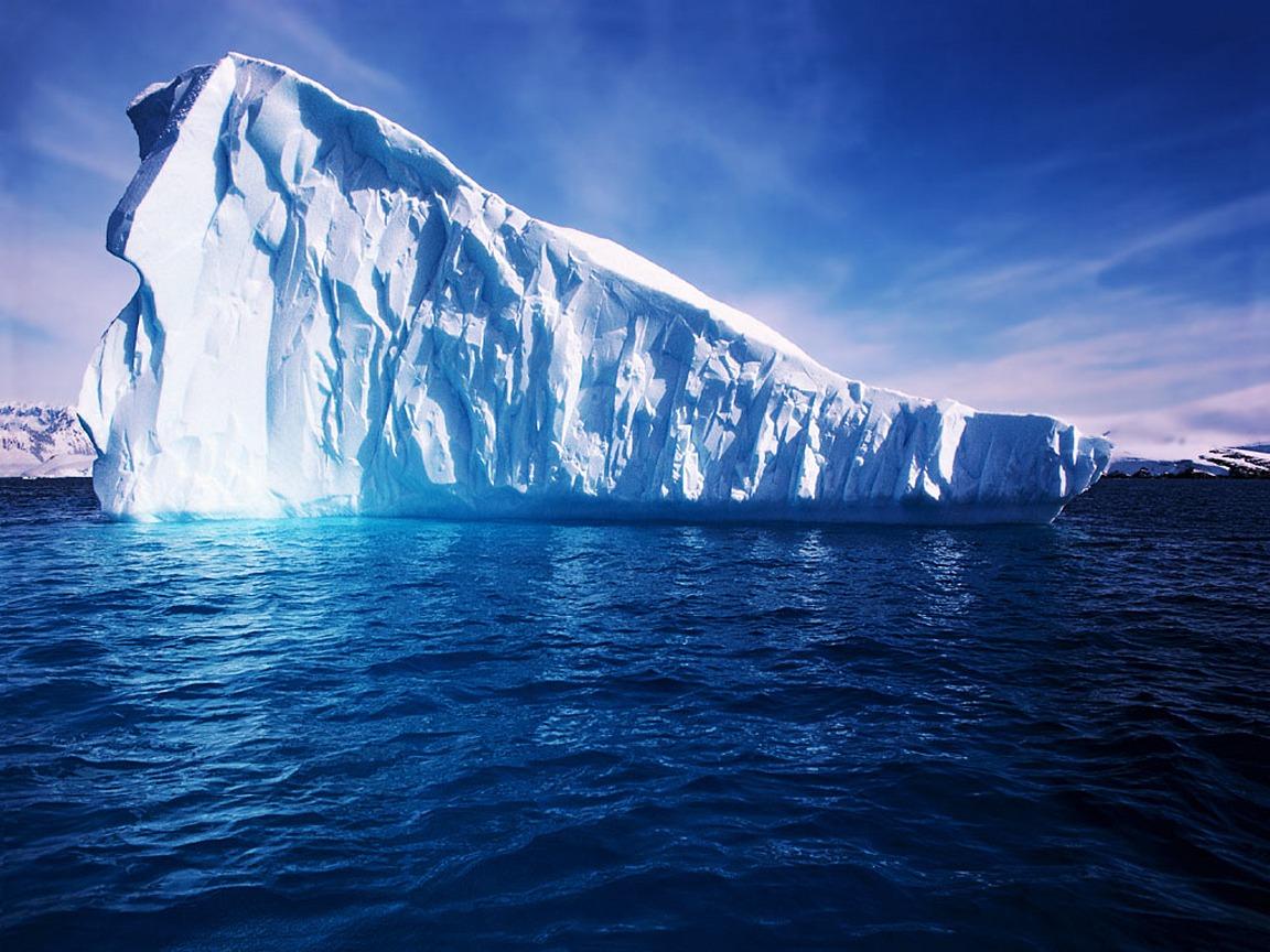 ¡¡¡ ATRAPAD@S EN EL HIELO... Antartica-iceberg
