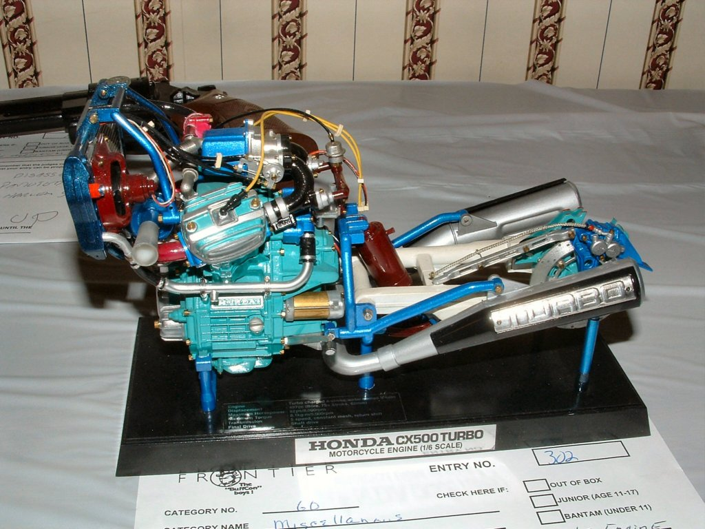 La CX 500 Turbo a 30 ans en 2012! Hondacx500turbomotorcycleengine