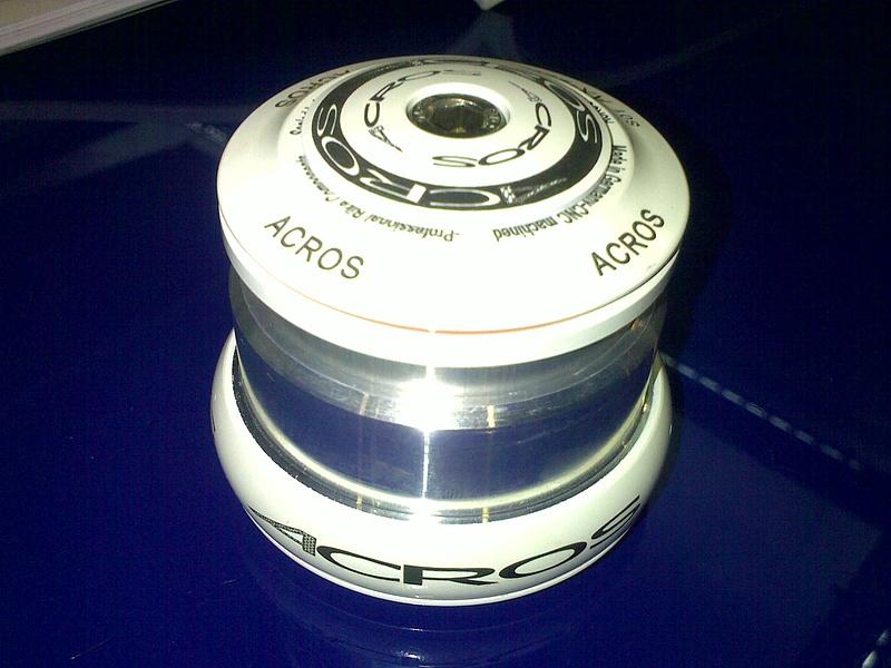 Acros Ax 22r P4pb4683407