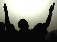 Allahu nuk ia kthen duart bosh robit kur ai i ngre duart drejt Tij.(Tregim) 200-150_1355401336