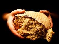 [Tregim Islam] Koret e bukës e shpëtuan nga zjarri i xhehenemit 200-150_1425285725