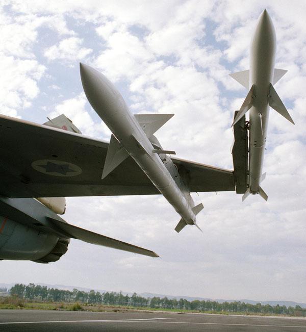 نبذه مختصره عن F-16I Sufa الصهيونيه  F-16_derby_4