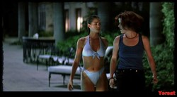 Denise Richards & Neve Campbell - Wild Things (1998) 1011_s