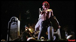 Linnea Quigley - The Return Of The Living Dead (1985) 1004_s