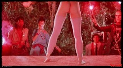 Linnea Quigley - The Return Of The Living Dead (1985) 1007_s