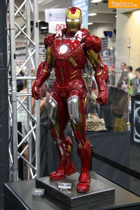 [Sideshow] Iron Man Mark VII - Legendary Scale figure - LANÇADO!!! SDCC2013-sideshow-Life-Size-e-Legendary-16-533x800