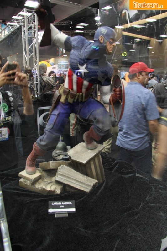 [Sideshow] [PF] Captain America - Allied Charge on Hydra - Lançado!!! - Página 2 SDCC2013-sideshow-premium-format-26-533x800