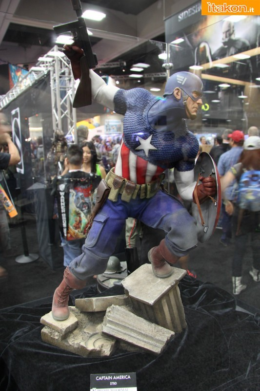 [Sideshow] [PF] Captain America - Allied Charge on Hydra - Lançado!!! - Página 2 SDCC2013-sideshow-premium-format-27-533x800