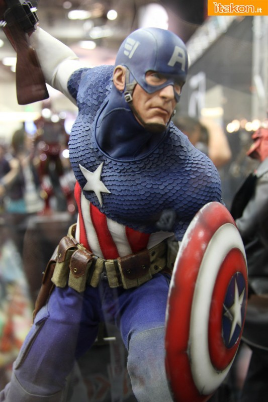 [Sideshow] [PF] Captain America - Allied Charge on Hydra - Lançado!!! - Página 2 SDCC2013-sideshow-premium-format-28-533x800