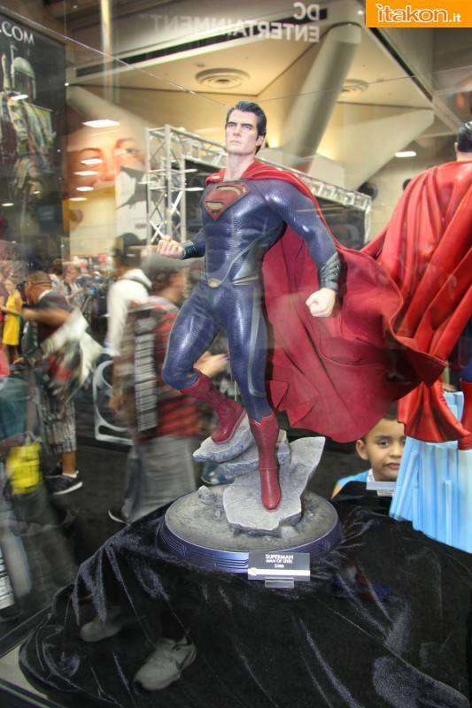 MAN OF STEEL SUPERMAN PREMIUM FORMAT FIGURE - Page 2 SDCC2013-sideshow-premium-format-42-533x800