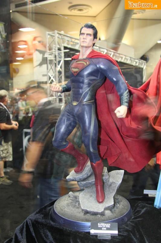 MAN OF STEEL SUPERMAN PREMIUM FORMAT FIGURE - Page 2 SDCC2013-sideshow-premium-format-43-533x800