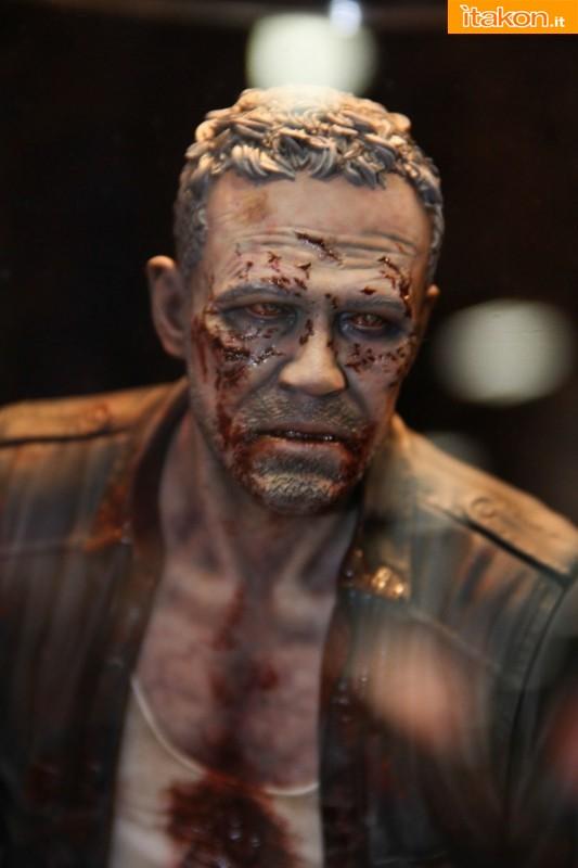 [Gentle Giant] The Walking Dead – Merle Dixon Walker 1/4 statue  Merle-Dixon-Walker-14-statue-di-Gentle-Giant-3
