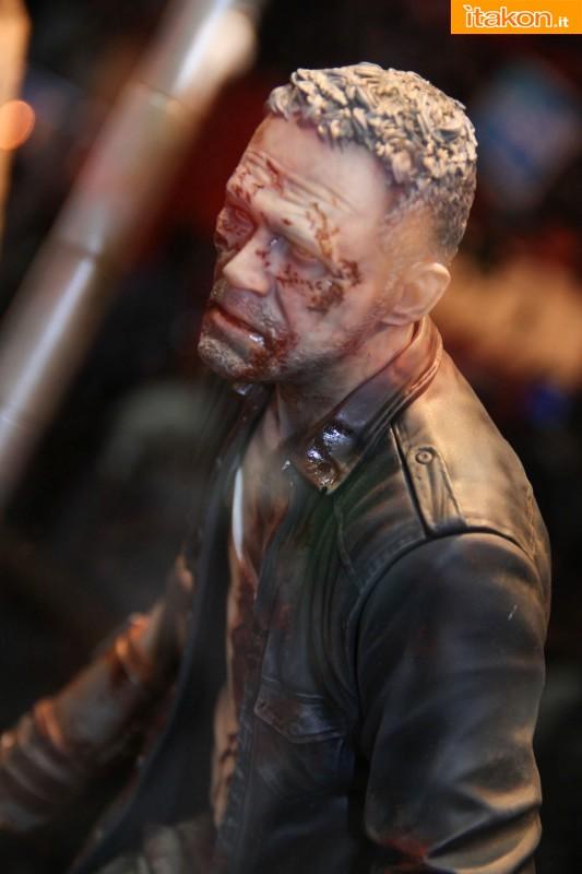 [Gentle Giant] The Walking Dead – Merle Dixon Walker 1/4 statue  Merle-Dixon-Walker-14-statue-di-Gentle-Giant-6