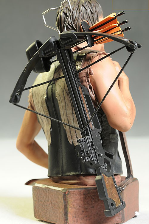 [Gentle Giant] The Walking Dead: Daryl Dixon Mini Bust Gentle-giant-5