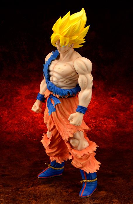 [X-Plus] Dragon Ball Z: Son Goku SSj Damage ver. - Gigantic Series Goku-SSj-xplus-damage-anteprima-1