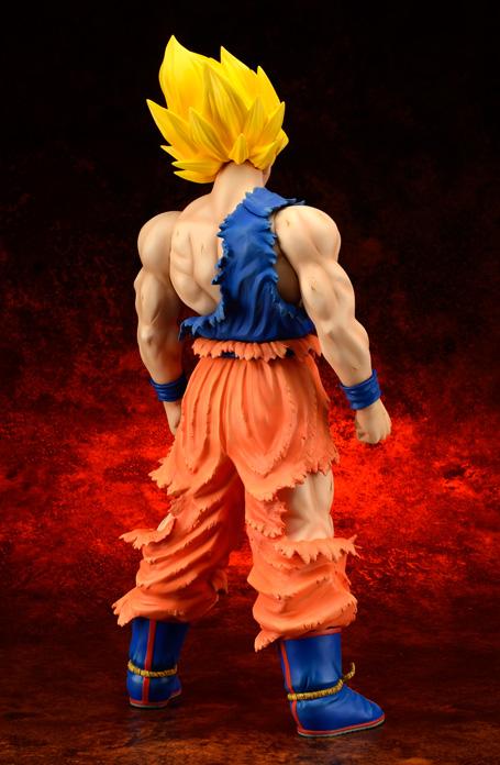 [X-Plus] Dragon Ball Z: Son Goku SSj Damage ver. - Gigantic Series Goku-SSj-xplus-damage-anteprima-4