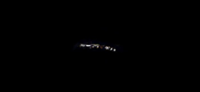 UFO Spotted Over Lake Macquarie, Australia Ufo-lake-macquarie-700x325