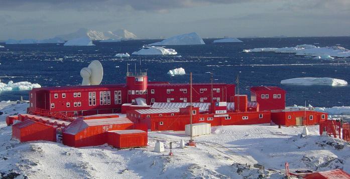 12 misterios sobre la Antártida  Antartida-chile-ffaa