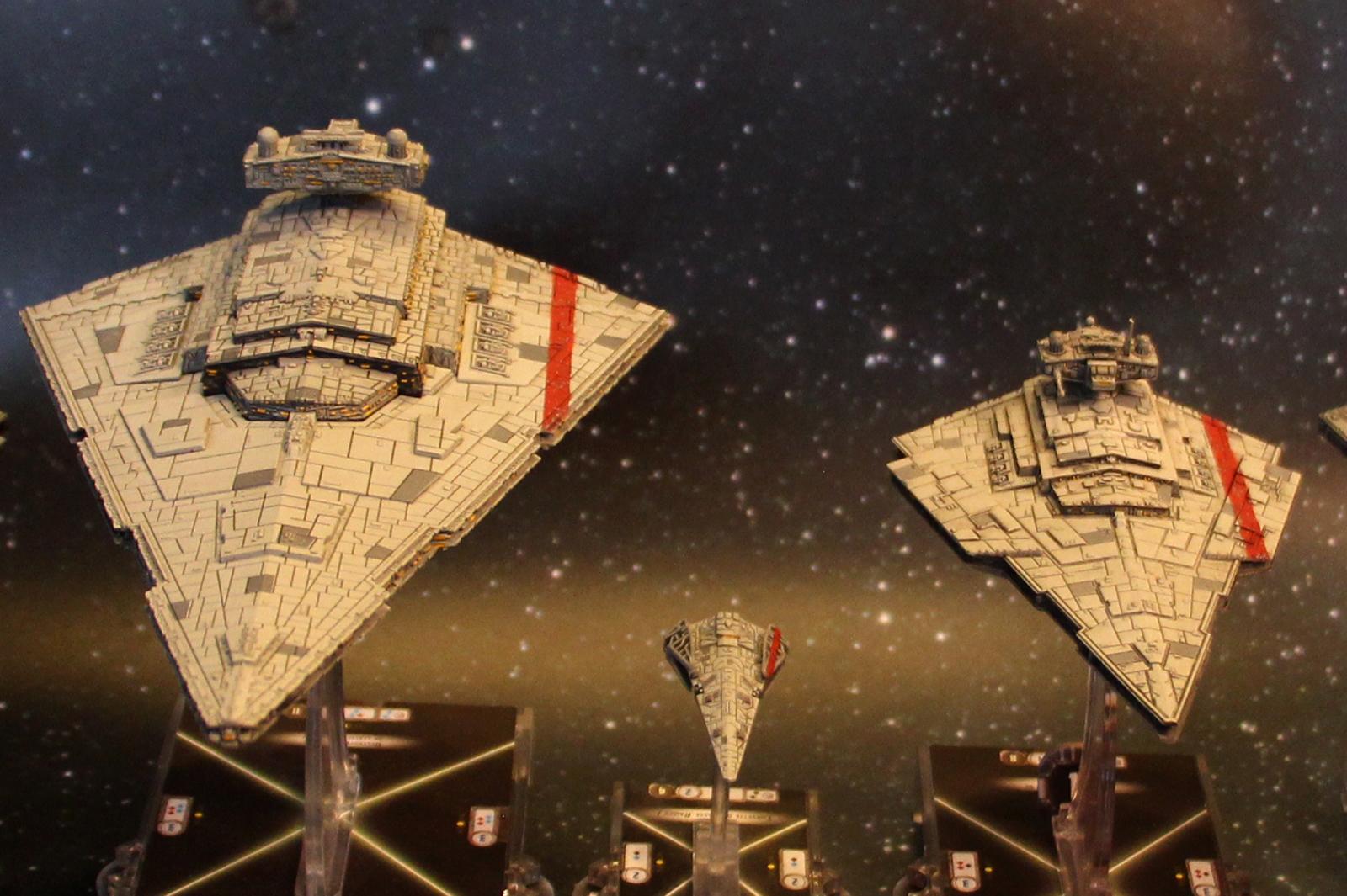 La flotte Dagornienne... Flotte-Imperiale-BarreRouge2