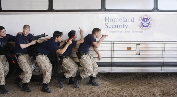 NOCIONES FILOSÓFICAS Y PSICOTEOLÓGICAS DE LA GENÉTICA HUMANA  Explorer_scouts_border_patrol