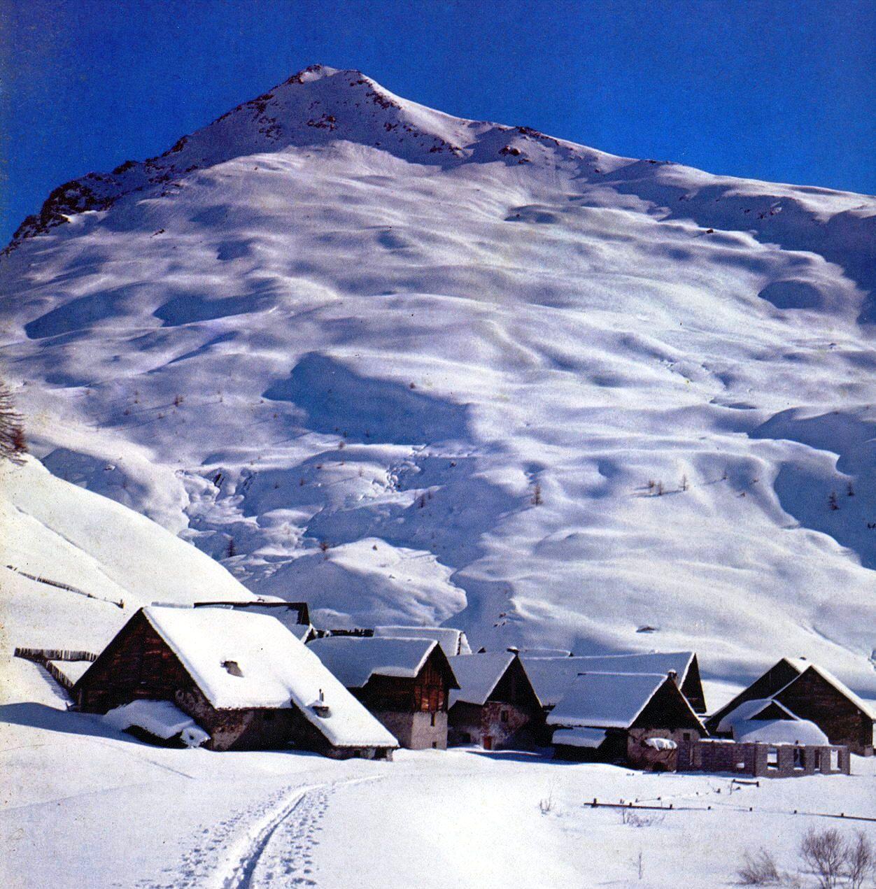 La neige en montagne ... X9f22qt9