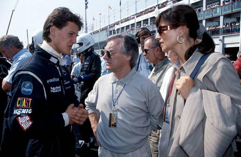¿Cuánto mide Lorenzo Insigne? - Altura - Real height Bernie-Ecclestone-with-Michael-Schumacher-1991-5