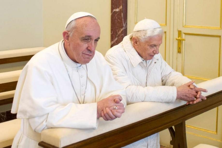 Benoît XVI et François Ier : les deux témoins Rencontreentre_pape_francois_et_son_predecesseur_benoit_xvi