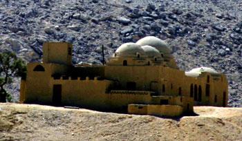Un sphinx dans le désert 184_8460