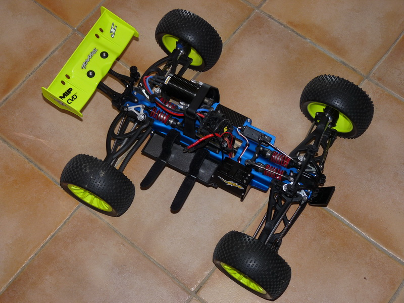 b-revo chassis alu et b-revo chassis carbone - Page 6 P1000171_resize