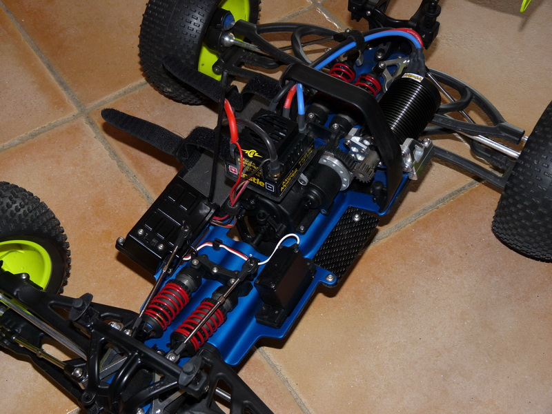 b-revo chassis alu et b-revo chassis carbone - Page 6 P1000172_resize