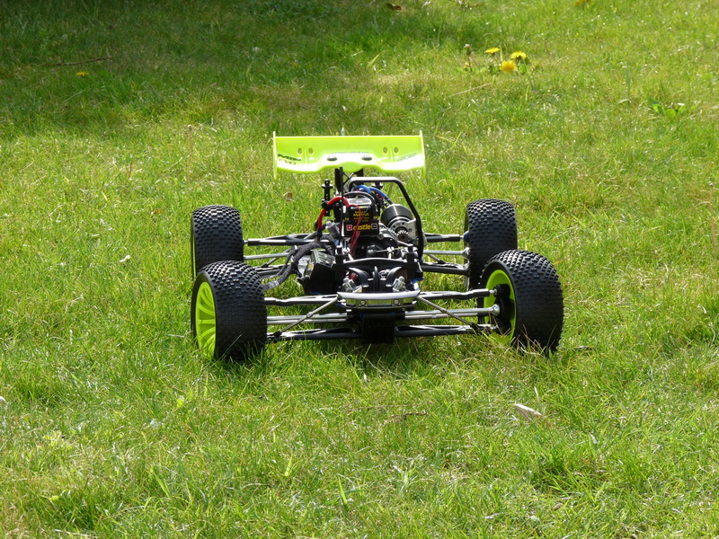 b-revo chassis alu et b-revo chassis carbone - Page 6 P1000105_resize