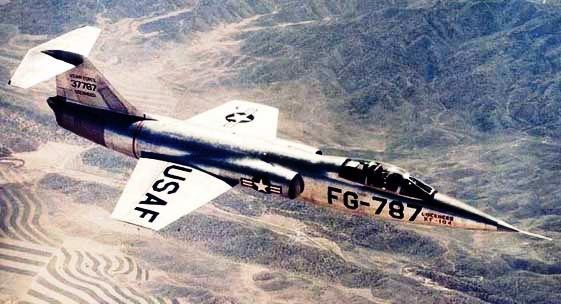 عملاق صناعة السلاح الأمريكية Lockheed Martin  F-104%2002