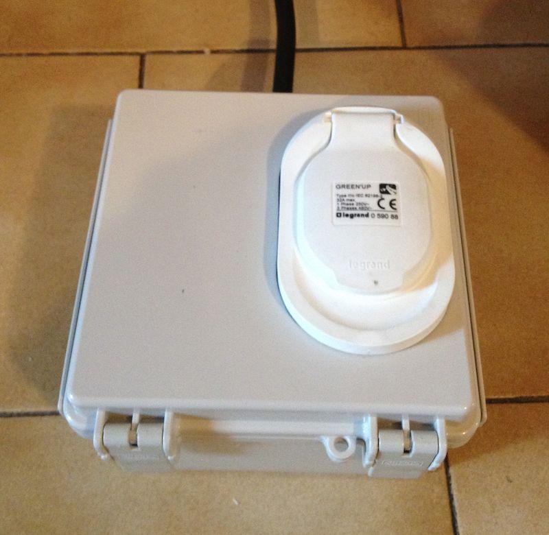 Fabriquer sa borne de recharge / son câble de recharge occasionnel avec OpenEVSE 2