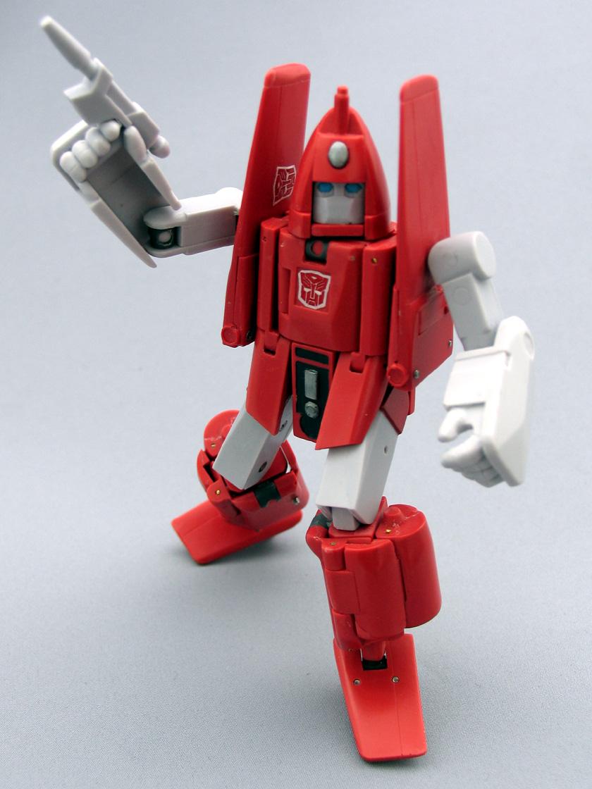 [Jizai Toys] Produit Tiers - G1 Powerglide/Survolo + Mégatron + Wheelie/Tourbillo + Ironhide/Rhino + Femelles Autobots, etc... Powerglide080714_1