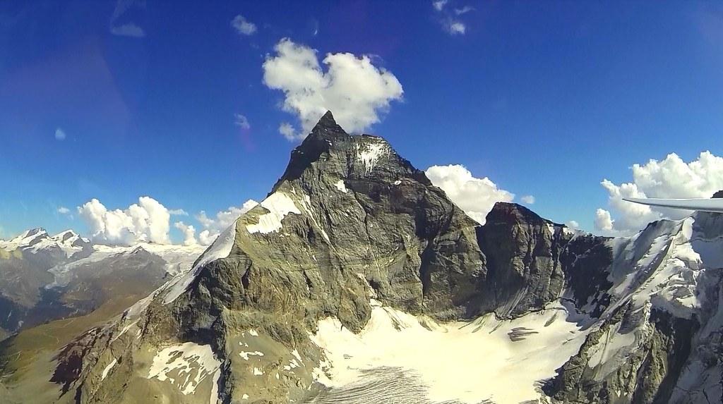 Vol vers la suisse Cervin