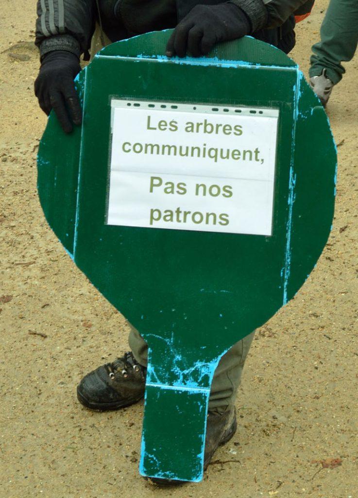Aux arbres citoyens ! Aidez les forestiers à défendre vos forêts Manifestation-ONF-BB-7-737x1024