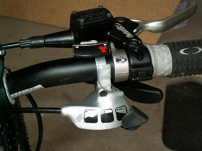 Compatibilité Dual drive et manette bar end 2008-04-27_14h31m10