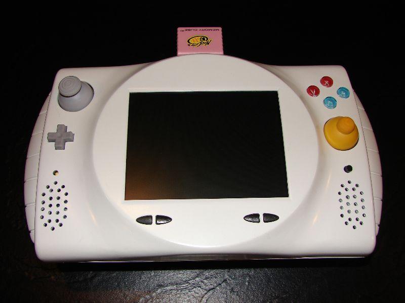 """Quand nos consoles retro se la jouent """"portable"""" Gcp1"""