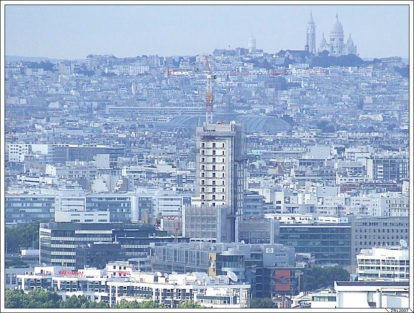 "TOUR "" INCITY "" - 200 m EDF-GDF-20070701-001-Meudon-JRL"