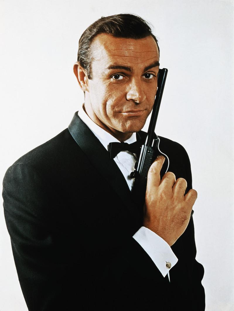 Acteurs James Bond - Lequel préférez-vous ? (CYan, comme les yeux de Daniel Craig XD ) James-bond-theme-party