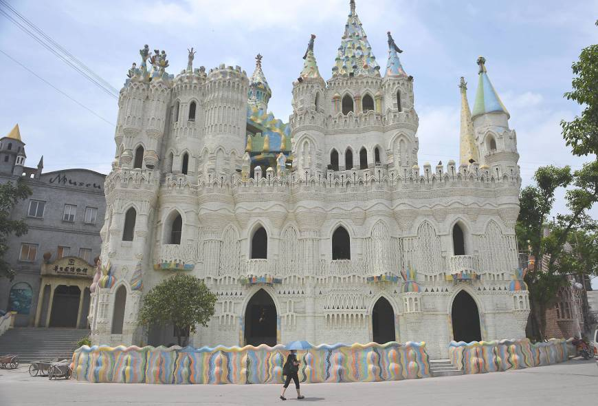 un château - ajonc -16 novembre trouvé par Martine  P6-china-castle-a-20131117-870x590