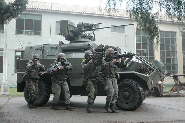 Guarani para el ejército argentino - Página 3 94DC1080B
