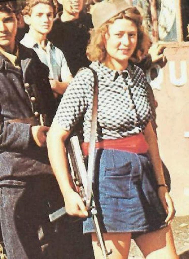 Fotografías de la Segunda Guerra Mundial y su historia 64E