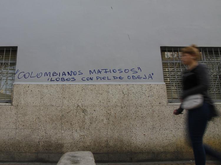 hasta cuando este gobierno comunista permite que los colombianos destruyan el pais? 385