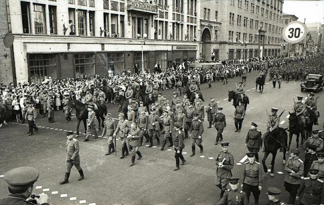 Fotografías de la Segunda Guerra Mundial y su historia 6E4