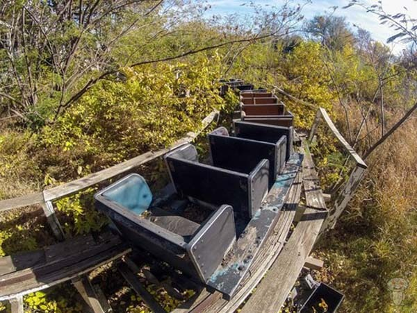 Parques de atracciones abandonados C15